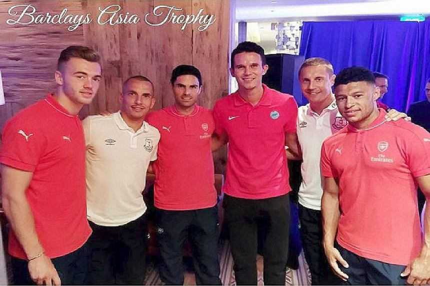 """Jack Wilshere took time off his tour to meet Singaporean members of the Muscular Dystrophy Association. """"Good to meet some of the members of the Muscular Dystrophy Association in Singapore, as an ambassador of the UK MDA…"""""""