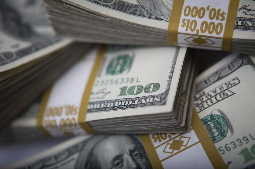 The US dollar advanced in trading today to the highest in almost three weeks against a basket of major currencies.