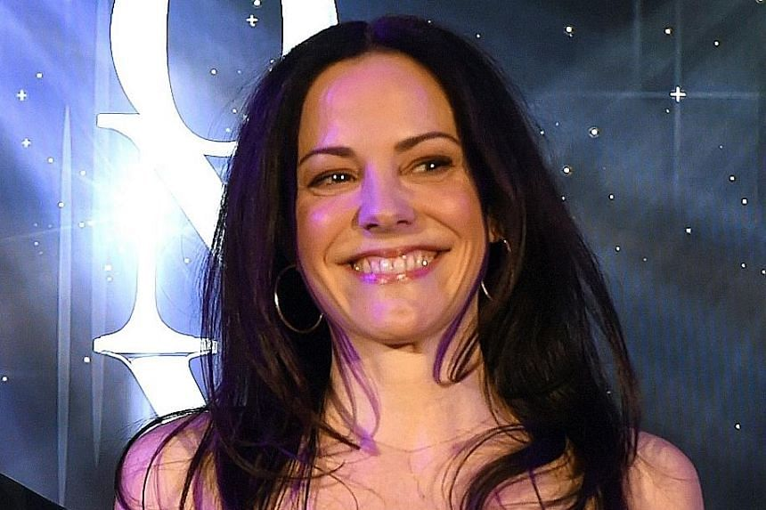 Mary-Louise Parker.