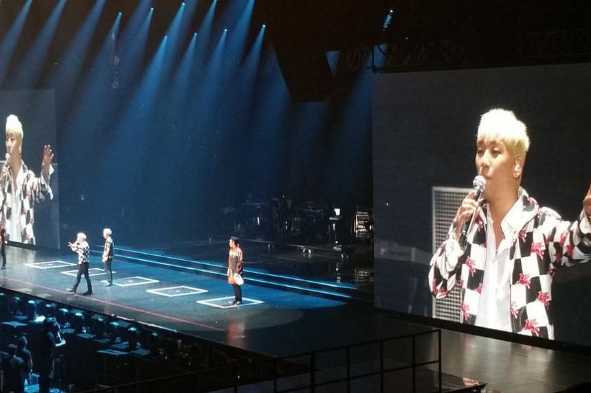 BigBang member Seungri rattled off crowd-pleasing Mandarin phrases at the group's first of two concerts in Singapore on July 18, 2015.