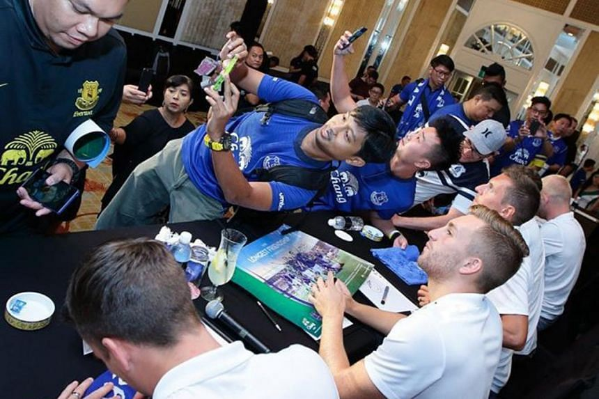 A coordinated selfie with Everton players at an event to celebrate the club's Chang Beer partnership on Thursday.
