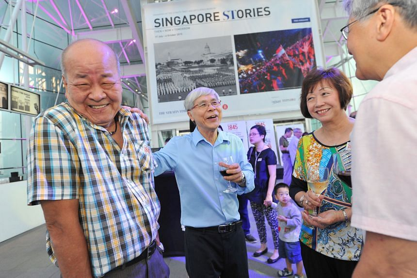 (From left) Mr Lai Yew Kong, former head of the home affairs desk, former sub-editor David Ng, Mrs Shirley Ng and her husband, former associate editor Bob Ng.