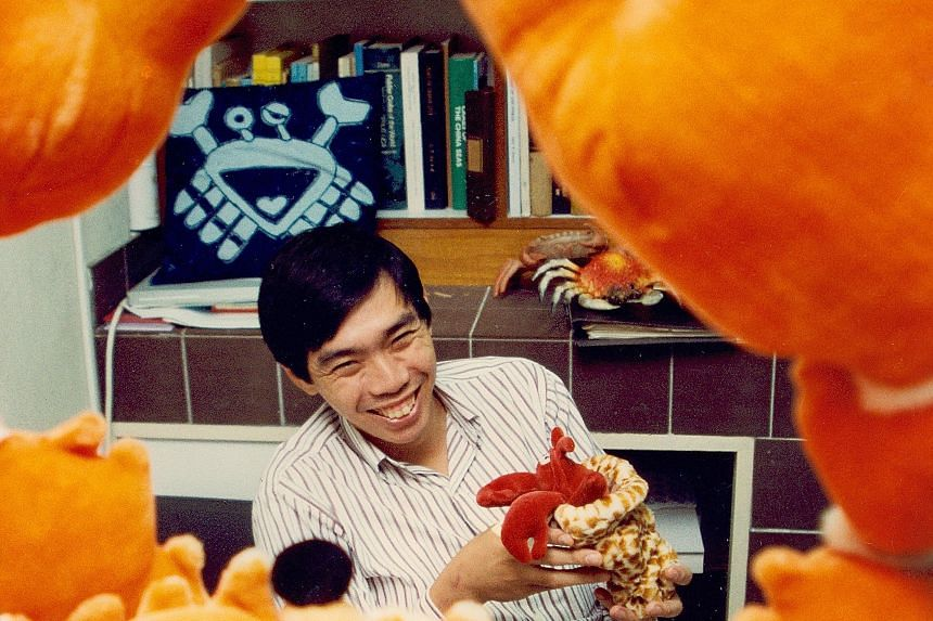 """""""He is the man who has made it all possible.He made the museum what it is today as a world authority and a top, top outfit."""" - Crab expert Peter Ng(above, shown here in a 1993 file photo) on Professor Leo Tan"""