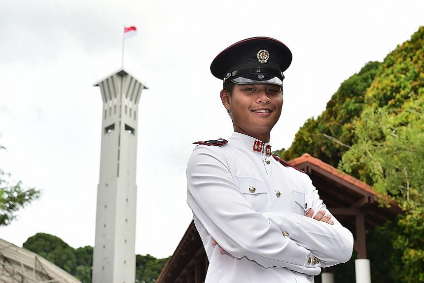 2LT Goh Jin Qiang was one of the 568 officer cadets commissioned yesterday. His dad died while he was undergoing the Officer Cadet Course.