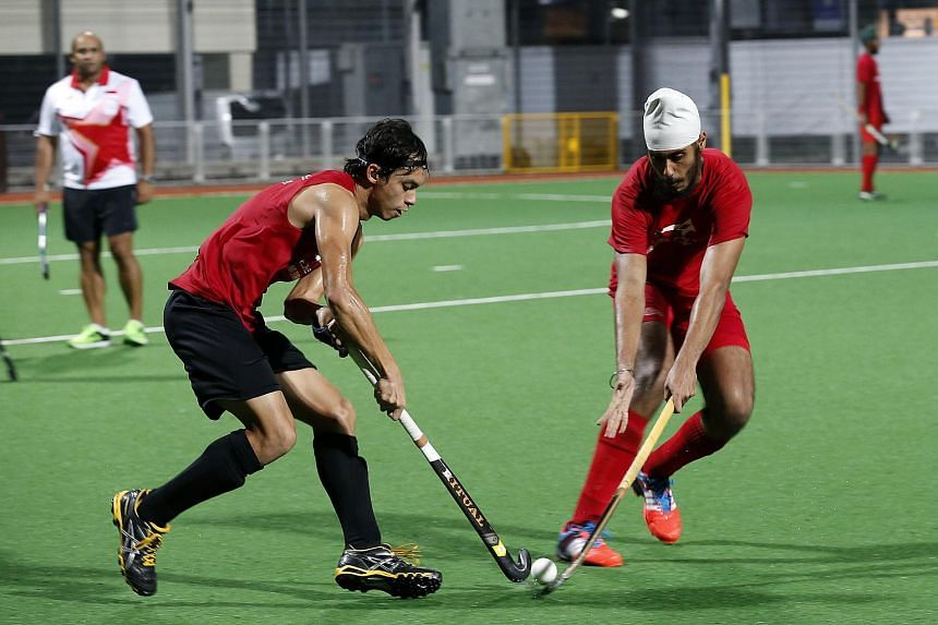 Singapore men's and women's hockey teams will play in Hockey Australia's national championships from 2016 to 2018, according to an agreement signed on Monday evening.