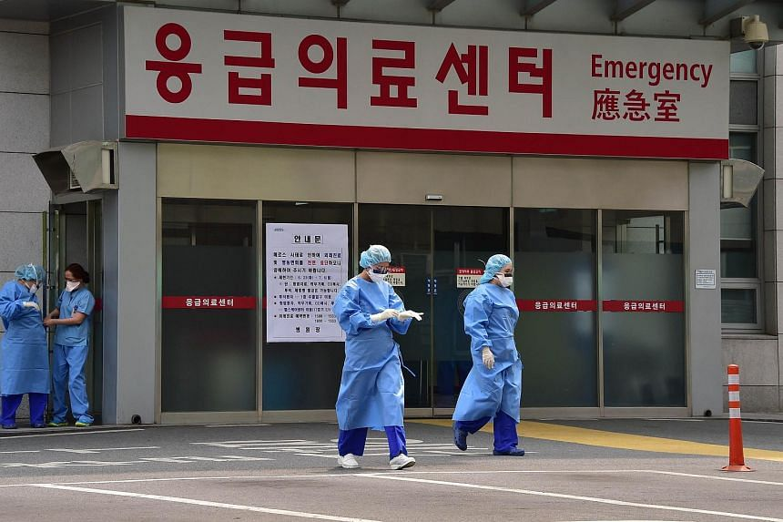 The hospital at the epicentre of South Korea's deadly Mers outbreak started to resume normal operations on Monday.