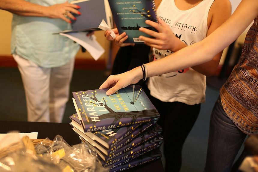 M Ghangaa: People wait to purchase the book authored by Harper Lee, 'Go Set a Watchman' on July 14, 2015.