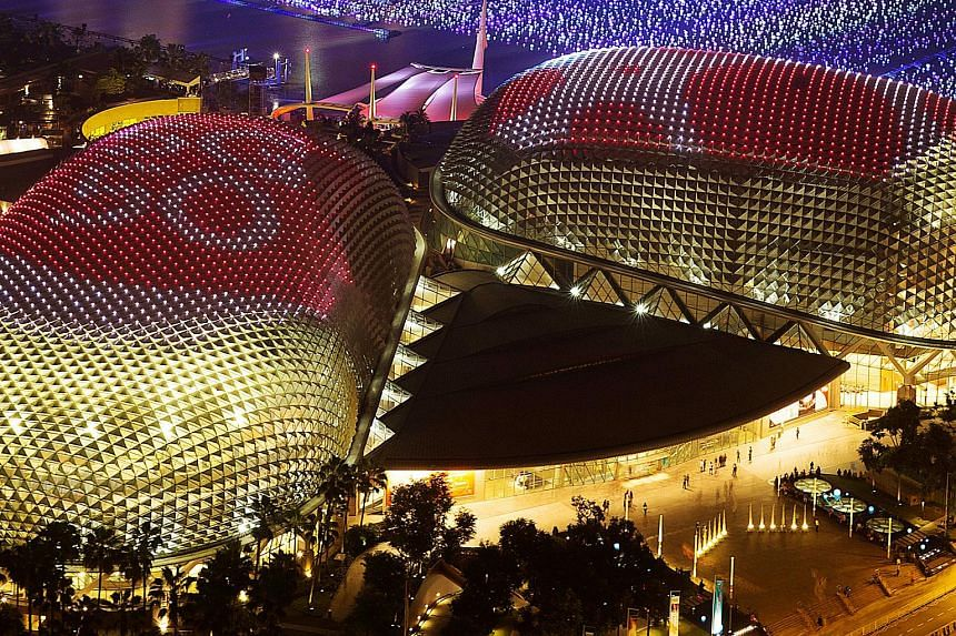 Celebrate the Jubilee weekend at Esplanade - Theatres on the Bay.