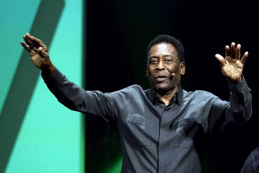 Pele waving to the crowd during an Electronic Arts event in June.