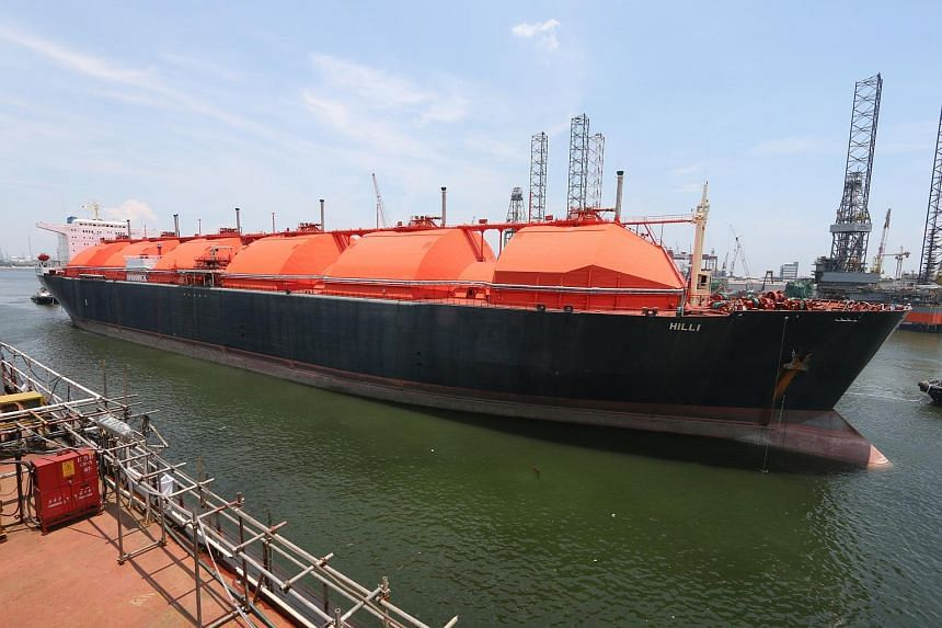 Liquefied natural gas (LNG) carrier, the HILLI, sailing into Keppel Shipyard for the commencement of conversion works.