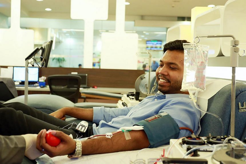 Entrepreneur Shanmugam Elangovan donating his blood.