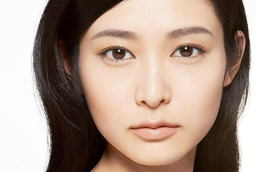 The right shape and colour of your brows can transform one's look.