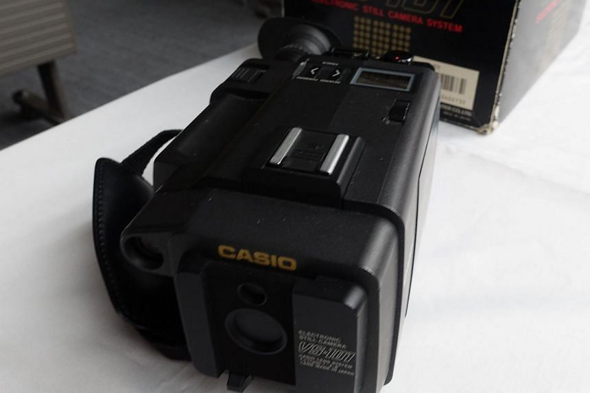 Casio's first electronic still camera VS-101.