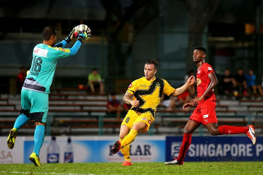 Home United and Brunei DPMM played out a goalless draw in the S-League at the Yishun Stadium last night.