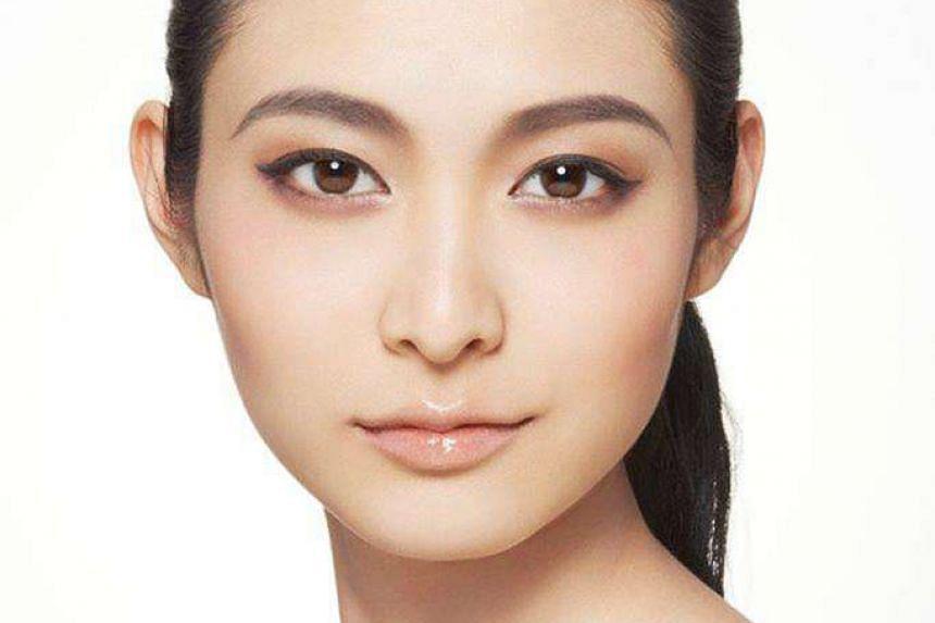1. The glamorous brow.