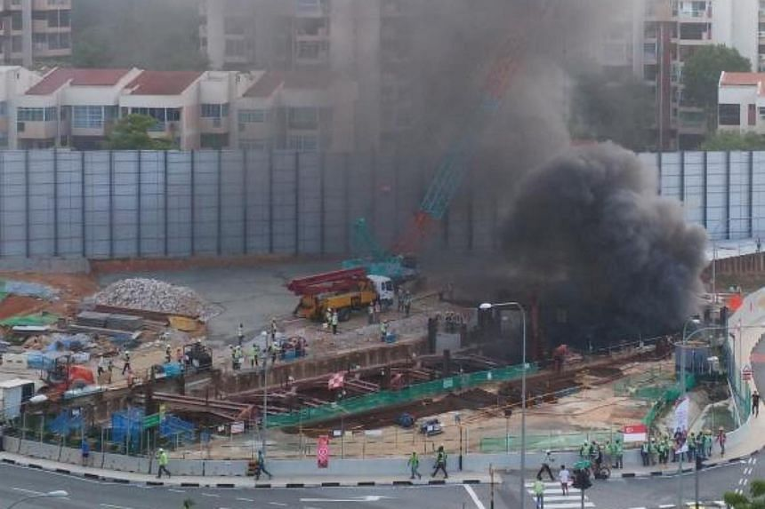 A fire broke out at a construction site on Yio Chu Kang Road on Thursday, but was put out by the workers before fire fighters arrived.
