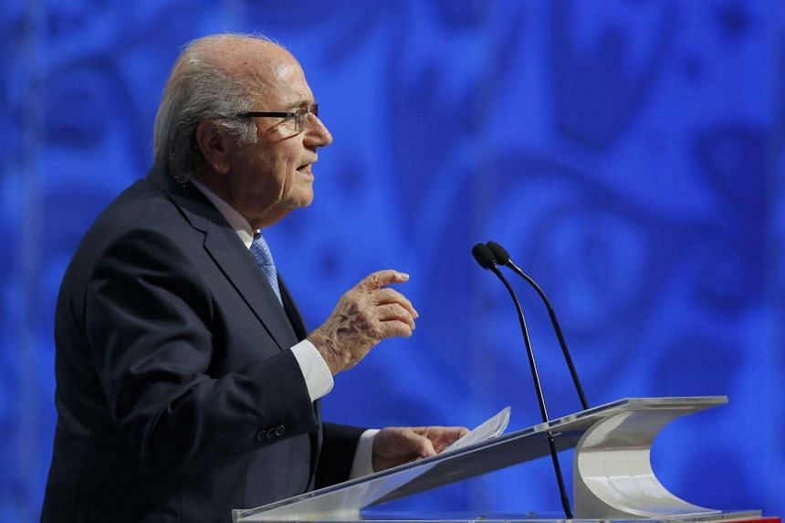 The race to succeed Sepp Blatter has been likened to a poker game by a long-serving Fifa executive committee member.