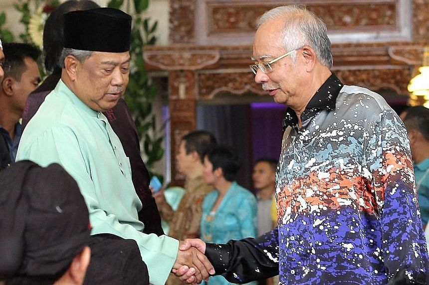 Malaysian PM Najib Razak (right) with Deputy PM Muhyiddin Yassin at an event last month. The statement from the Prime Minister's Office said that politicians should stop fighting among themselves.