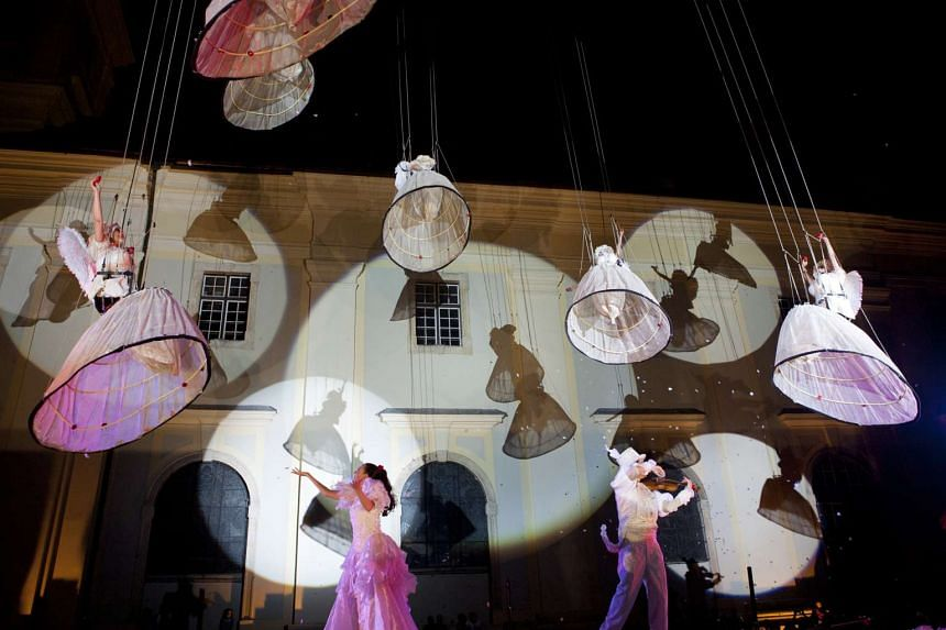 Belgian theatre group Theater Tol is presenting festival commission Garden of Angels.