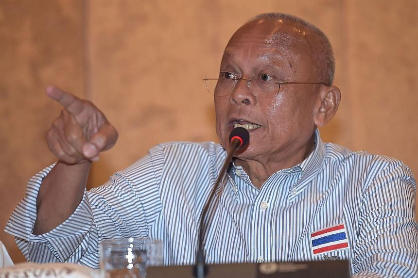 Former deputy prime minister Suthep Thaugsuban (left), who emerged yesterday after a monastic hiatus, said at a press conference that his foundation wants the government to complete reforms before elections, no matter how long that would take.