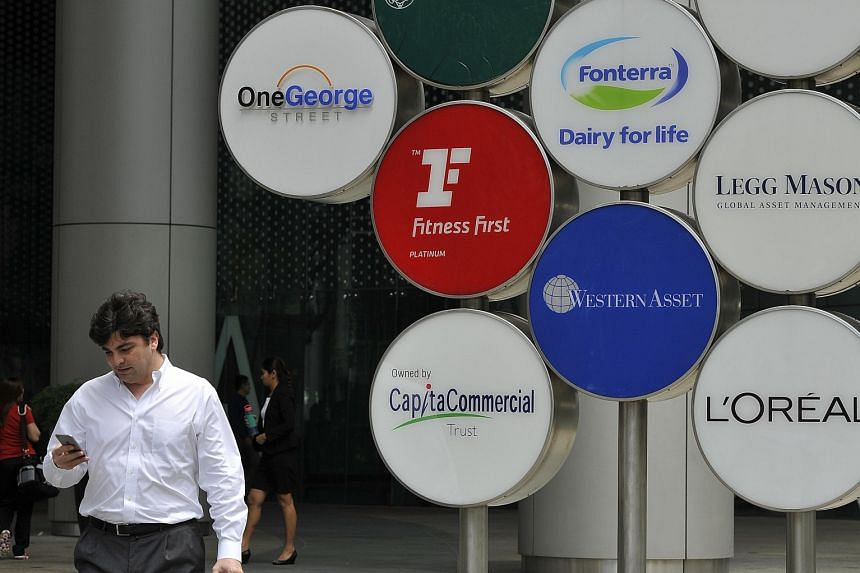 RBS is relinquishing its two floors of office space at One George Street and is looking for sub-tenants for one of the two floors it occupies at One Raffles Quay, according to market talk.
