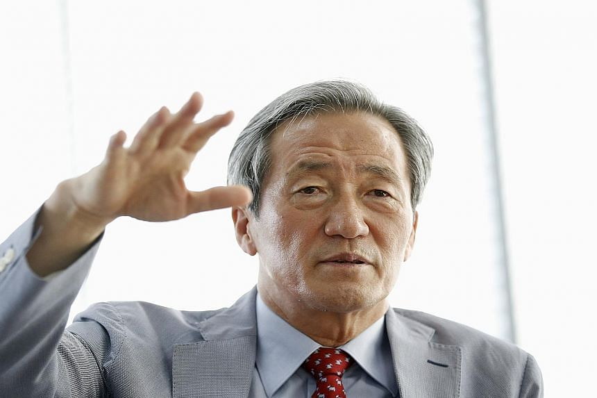 Former Fifa vice-president Chung Mong Joon yesterday announced his candidacy to replace Sepp Blatter as Fifa president. Emphasising the need for the world body to have a non-European leader, he also questioned whether fellow candidate Michel Platini