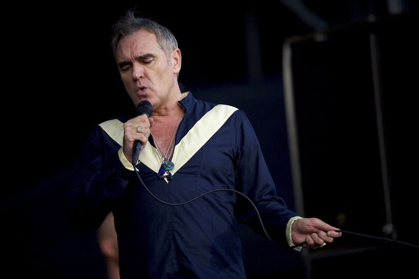 British singer Morrissey claims a United States airport security guard groped his penis while he was preparing to board a flight.