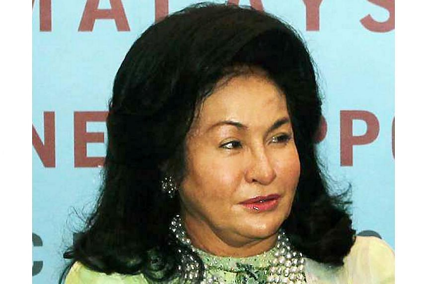 Datin Seri Rosmah Mansor has given Asia Sentinel journalist John Berthelsen 48 hours to issue an unconditional apology to her for allegations made in an article.