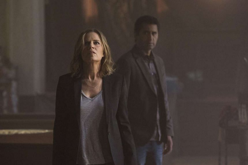Fear The Walking Dead stars Kim Dickens and Cliff Curtis.