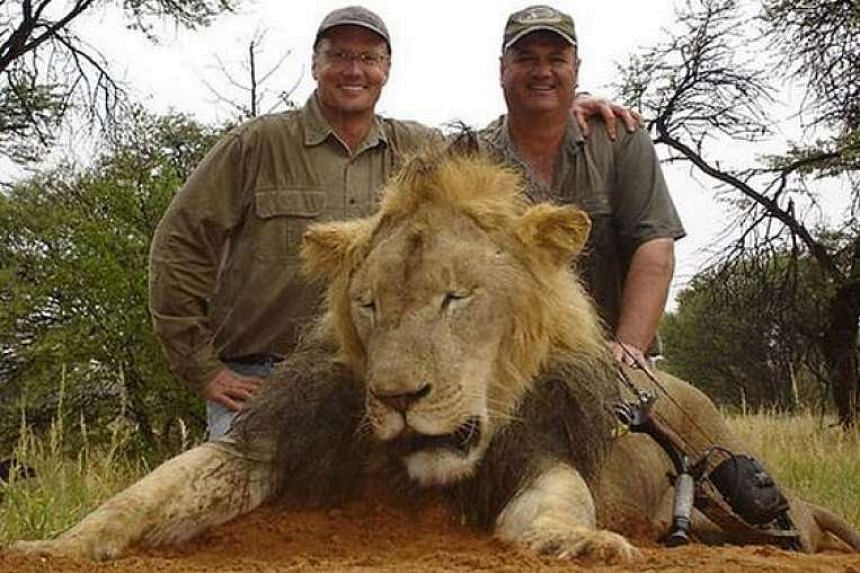 US dentist Walter Palmer (left) on a previous lion hunt.