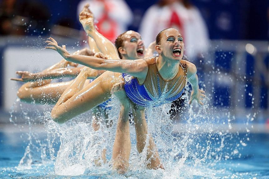Russia remain unbeaten in the synchronised swimming team free event after winning a fifth straight gold at the Fina World Championships in Kazan on Friday. The hosts totalled 98.4667 points, ahead of China (96.1333) and Japan (93.9000). The Russians