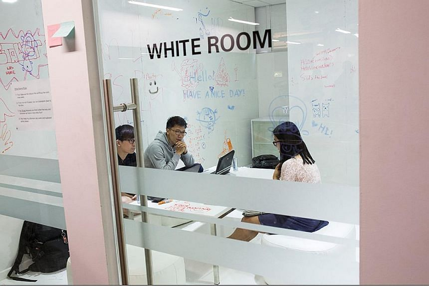 SMU Labs features rooms such as the white room, where students can scribble down ideas on the walls and floor. Situated in the old MPH building in Stamford Road, the 24-hour SMU Labs will be used to teach modules where students work with organisation