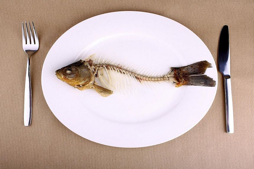 Swallowed fish bones rarely pose problems once they come into contact with digestive juices, but it is best to seek medical help immediately if a bone gets stuck in your throat.