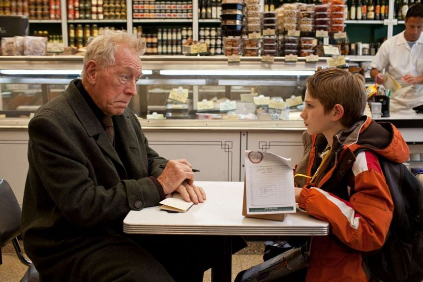 Max von Sydow (left) in the movie Extremely Loud & Incredibly Close, also starring Thomas Horn (right).