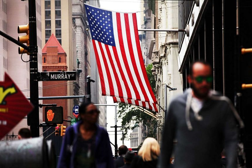 US economic data on Wednesday, Aug 5, 2015, showed a sharp drop in private job growth in July as well as a widening of the trade deficit in June.