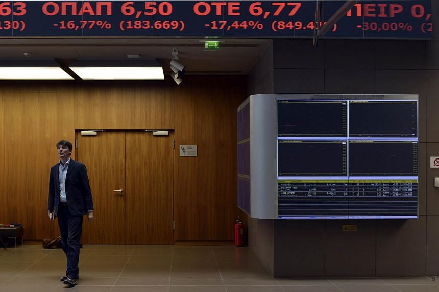 The Athex index closed at 666.68 points, after having lost 19.35 per cent of its value since resuming business at the start of the week.