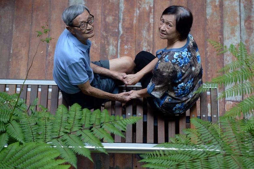 Mr Kwan Kai Foo got his aunt to introduce him to Madam Wong Ngit Mui and they started dating. Their favourite haunt was Kallang.