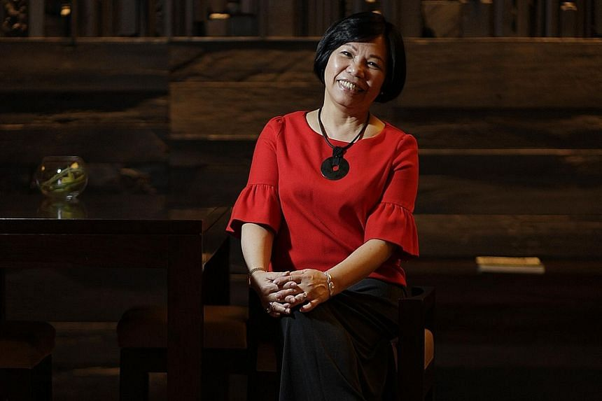 Ms Dorothy Seet has spent 21 years managing Beijing Smart Garments in China. She finds that taking pains to understand the backgrounds and motivations of the people she works with pays off.