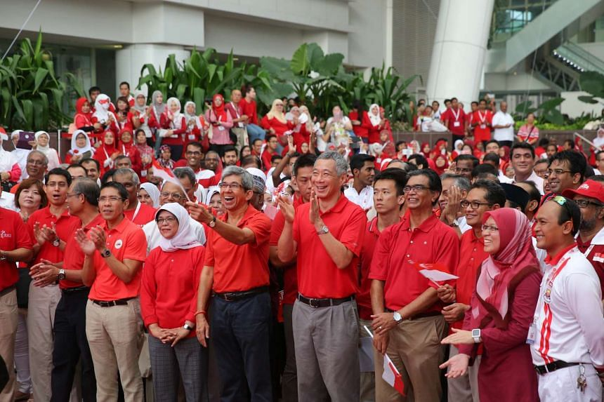 PM Lee Hsien Loong and Minister-in-charge of Muslim Affairs Yaacob Ibrahim joined Malay/Muslim organisations and their partners at a national day observance ceremony at ITE College Central on Aug 8, 2015.