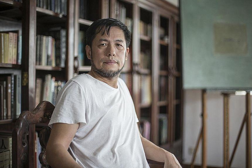 Artist Hong Zhu An.