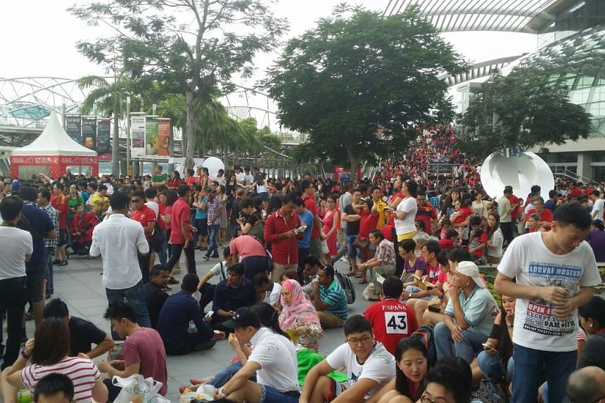The crowd outside the ArtScience Museum on Aug 9, 2015.