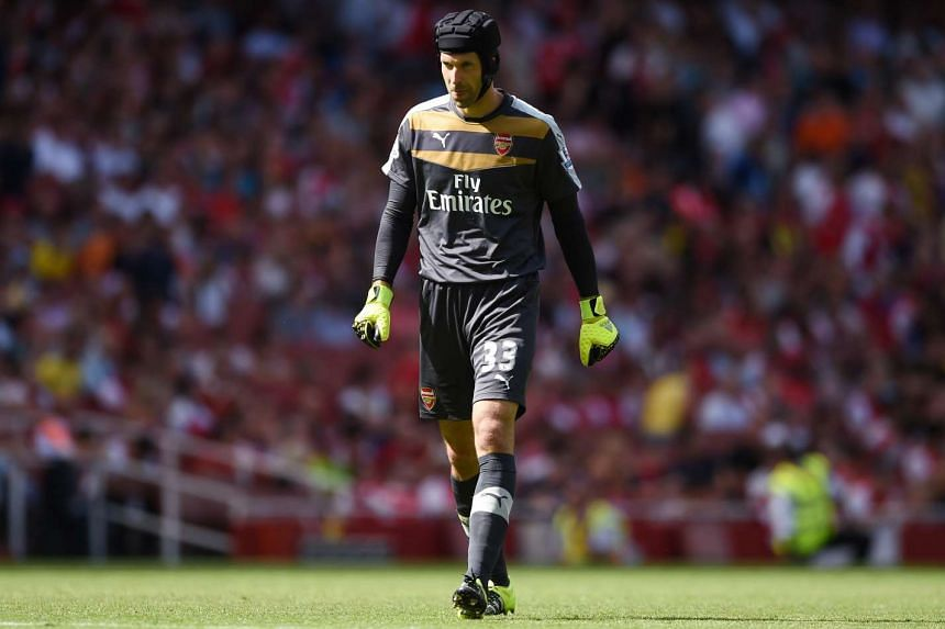 Petr Cech's errors helped West Ham to a 2-0 victory over Arsenal.