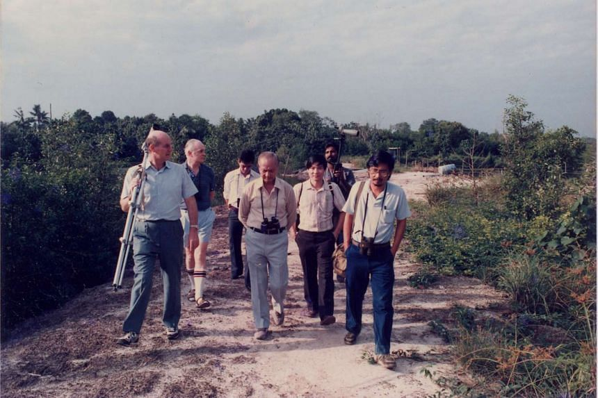 The Nature Society team with then President Wee Kim Wee (centre) visiting Sungei Buloh prior to the conservation proposal's acceptance. Dr Ho Hua Chew is on the right, in light blue T-shirt.