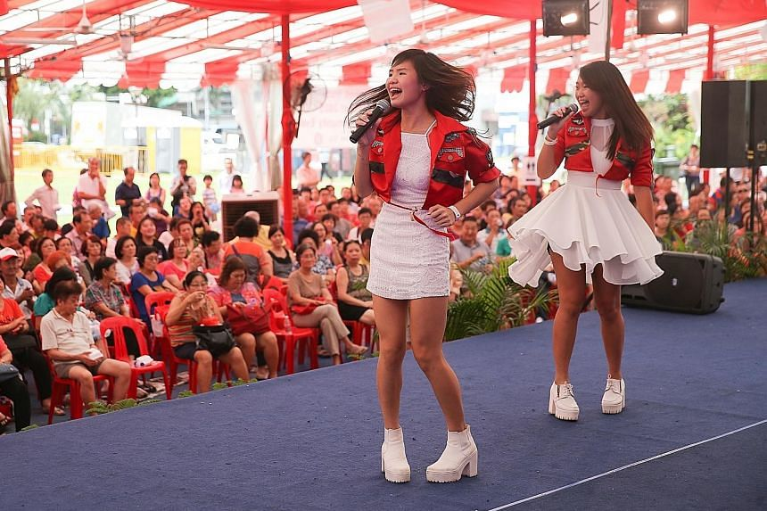 The Golden Jubilee festivities are not quite over yet in Kembangan-Chai Chee, as a community getai marathon yesterday drew an audience of close to 2,000 people to the open field next to Kembangan MRT station. More than 20 getai artists, including tee