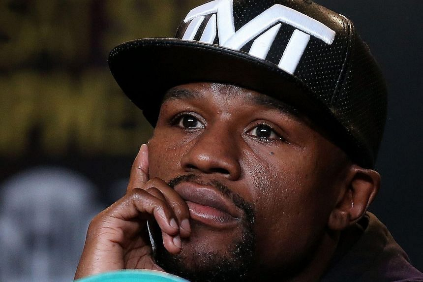 Floyd Mayweather blithely put himself at the top of the list when naming the top five boxers in the history of the sport.