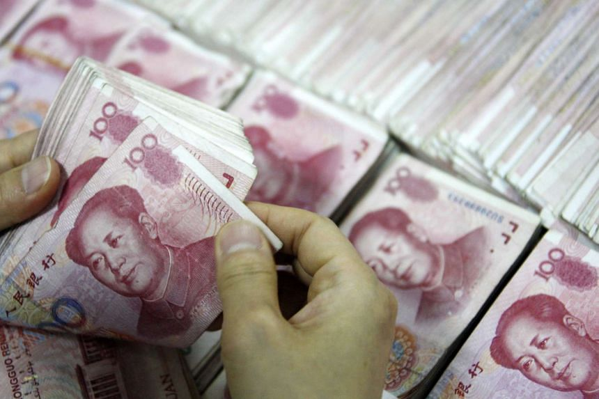 US lawmakers have condemned China's surprise currency devaluation as a grab for an unfair export advantage.
