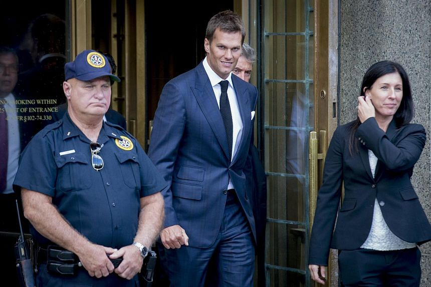 New England Patriots quarterback Tom Brady exits the Manhattan Federal Courthouse in New York on Aug 12, 2015.