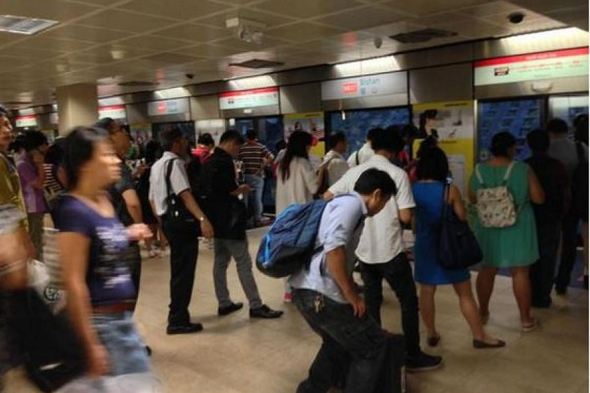 Some commuters took to Twitter to notify others about the peak hour delay.
