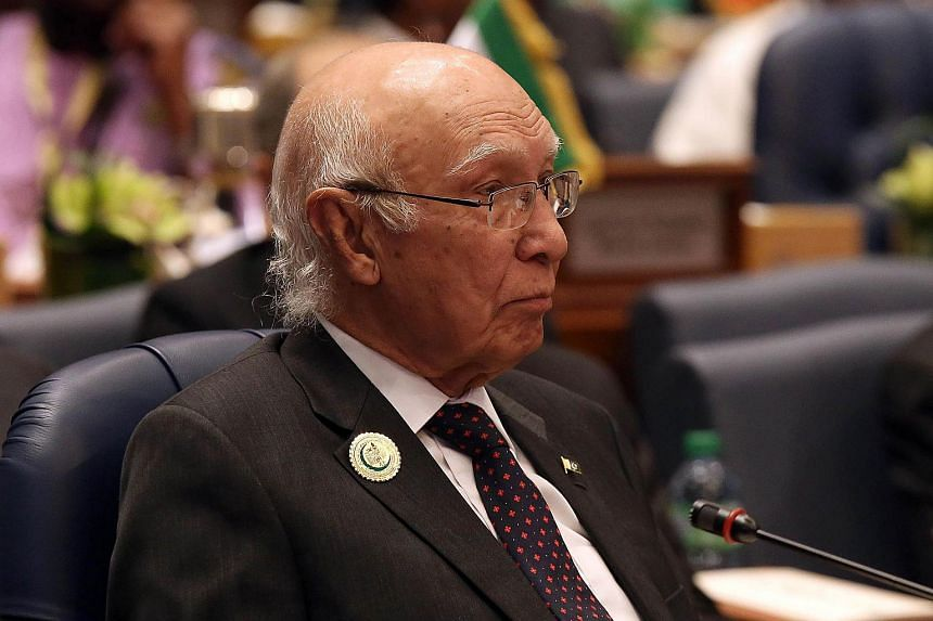 Pakistani National Security Adviser Sartaj Aziz says he will be visiting New Delhi on Aug 23, 2015 for security talks with his Indian counterpart.