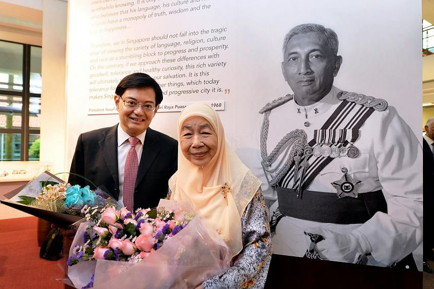 "Mr Heng Swee Keat, Minister for Education and Toh Puan Noor Aishah, wife of Encik Yusof Ishak at the ISEAS Renaming Ceremony: ""ISEAS-Yusof Ishak Institute""."